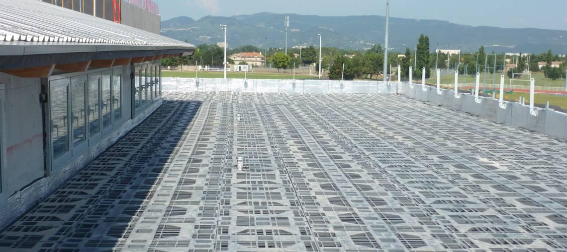 système de rétention temporaire d'eau en toiture