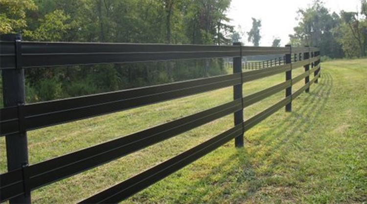 bien choisir sa clôture pour cheval