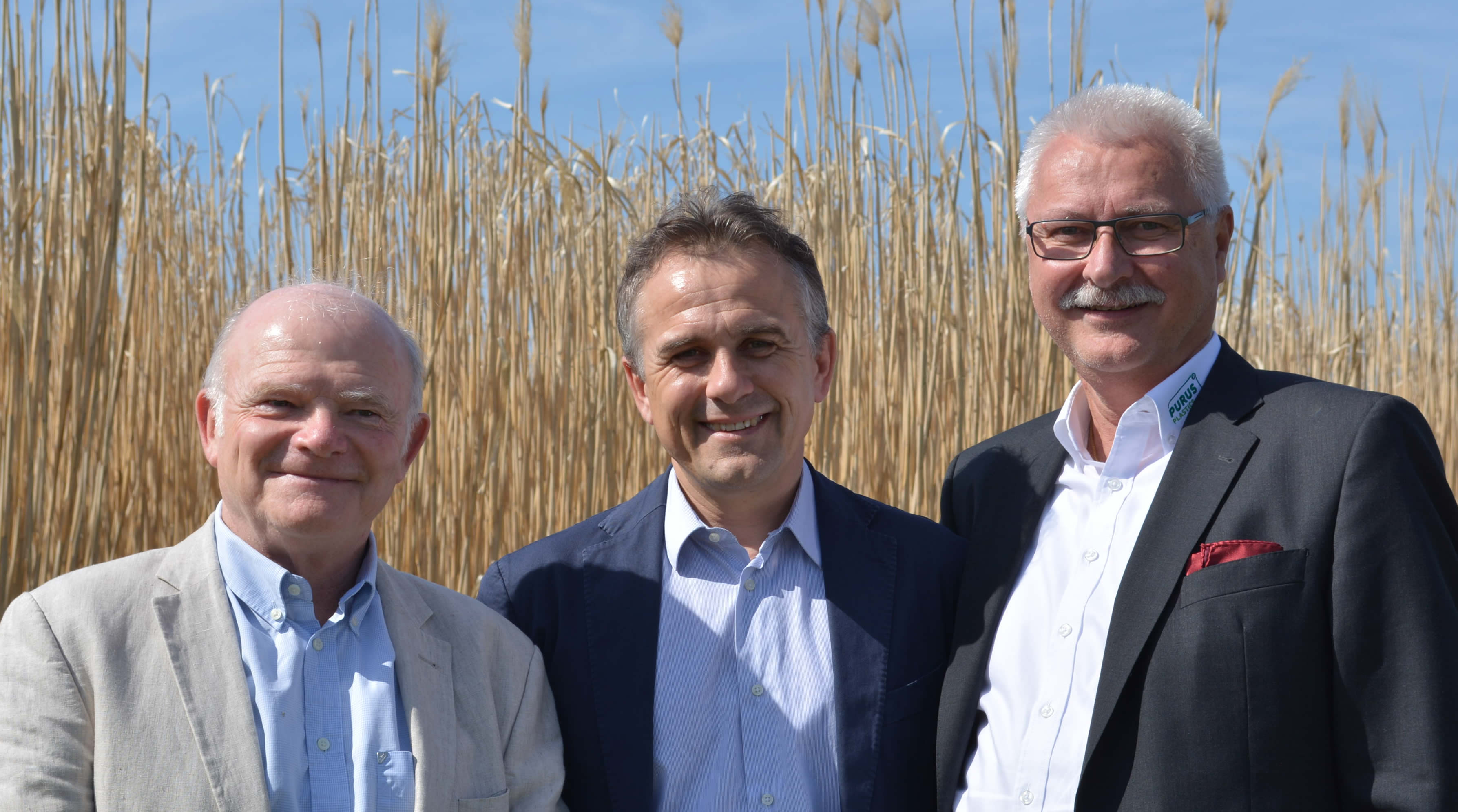 Professionals serving professionals. ECOVEGETAL founders are landscape architect, farmer and industrial. From left to right: Francis Pelletier, Pierre Georgel, Jürgen Manzei.