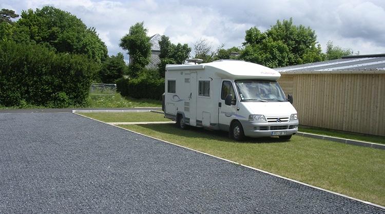 aire_de_stationnement_de_camping-car_170616162331-1